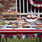 Festive Fourth of July table. Photo courtesy of independencedayofusa.com.
